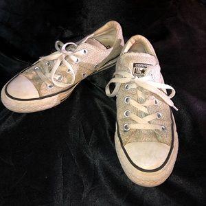 Women's gray converse size 5